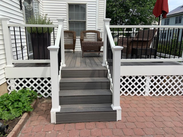 Composite deck built by B & B Maintenance - 0534